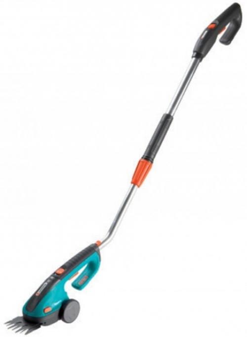 Výrobek Gardena akumulátorové nůžky na trávu ClassicCut s násadou - sada 8890-20