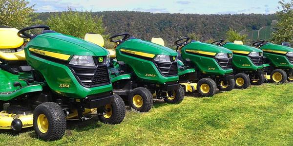 Zahradní traktory, sekačky a technika John Deere